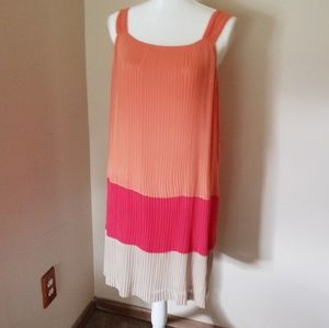 Dana Buchman pleated shift dress size 8